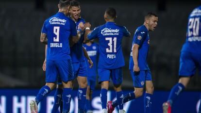 Los Tigres dejan ir el triunfo y la Máquina les empata el encuentro, lo lleva a los penales y se cuelan a la final de la Copa GNP.