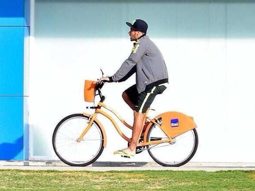 1 neymar bicicleta.jfif