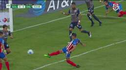 ¡Se formó el 'traka-traka'! Chivas perdona la primera ante San Luis