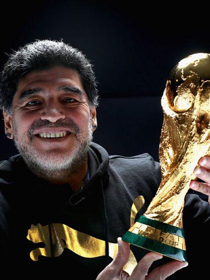 La mañana de este 25 de noviembre se dio a conocer que Diego Armando Maradona murió a consecuencia de un paro cardiorrespiratorio a los 60 años de edad. Ante su sensible fallecimiento recordamos su historial amoroso.