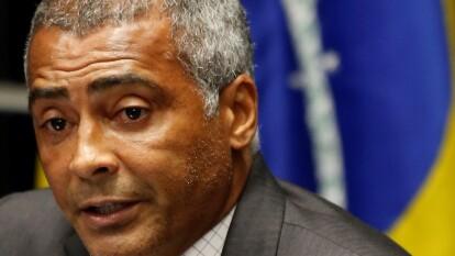 Romario. Se retiró en 2009 y ahora es Senador por Río de Janeiro en el Senado Federal de Brasil.