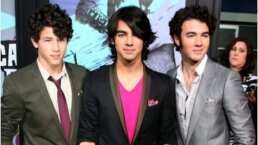 Joe Jonas regresa a su look de los 2000 y es como si nunca hubiera envejecido