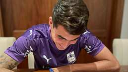'Loquito' Abreu firma primer contrato profesional con Defensor Sporting