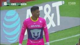 ¡Bien ahí! Talavera se estira y saca el tiro de Betancourt