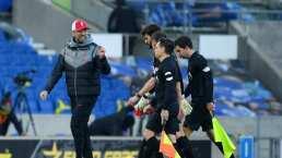 Klopp desata furia contra el VAR y a aplaude a los árbitros en burla