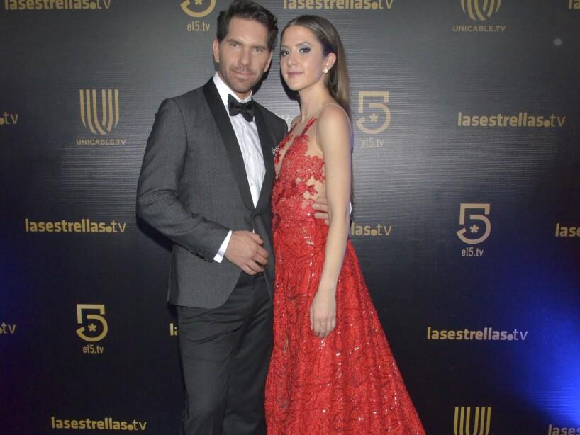 Las mejores 7 parejas durante la alfombra roja de los Premios TVyNovelas