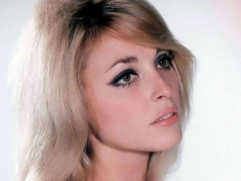 7. Sharon Tate: Asesinada en 1968, en su casa con sus 4 amigos, por los seguidores de Charles Manson.