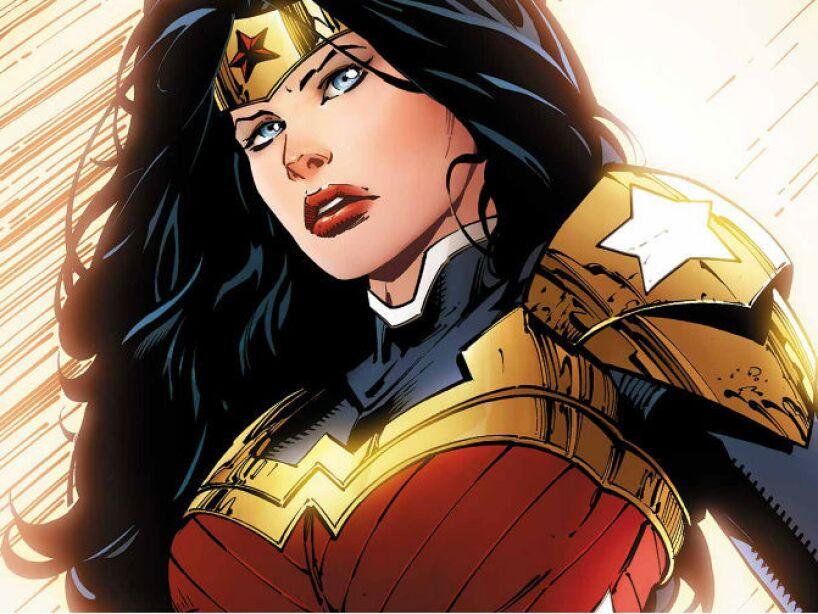 3. WONDER WOMAN (Princesa Diana): Su principal virtud es ser la mujer más fuerte que existe en el planeta.