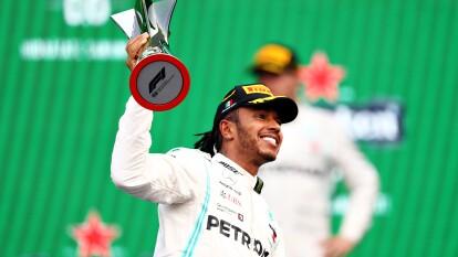 Lewis Hamilton estaría entre los 10 deportistas mejor pagados del mundo.