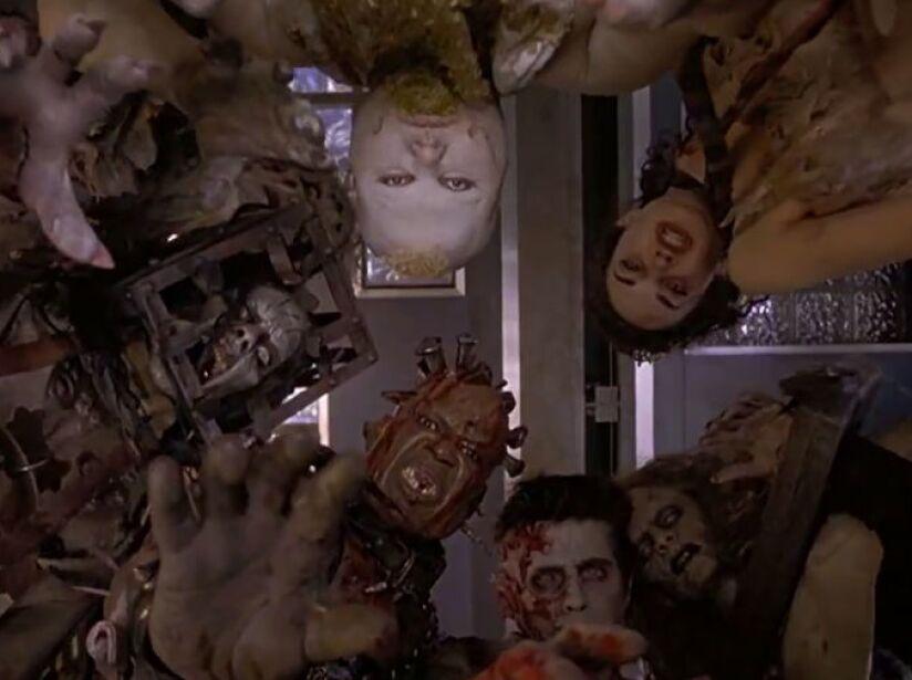 8. 13 Fantasmas: Los espíritus en este filme (2001) dieron menos miedo que la actuación de Shannon Elizabeth.
