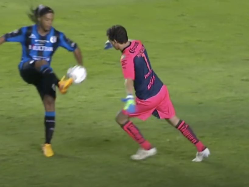 Ronaldinho, 8.png