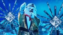 Oso polar pone a bailar a todos con 'El Chico del Apartamento 512' en versión rock