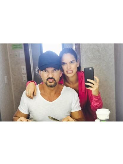 Adria Arjona, la primogénita del cantante Ricardo Arjona y de la exreina de belleza, Leslie Torres, se casó el 31 de agosto con su novio, el abogado Edgardo Canales.