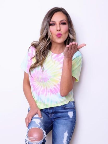 De su debut como cantante en La Onda Vaselina, grupo hoy conocido como OV7, a convertirse en exitosa empresaria y estrella de la comedia. ¡Mira la radical transformación de Mariana Ochoa!