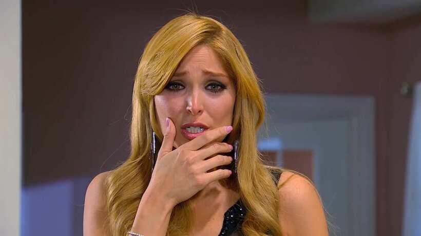 C90: Verónica arruina el vestido de novia de Alma