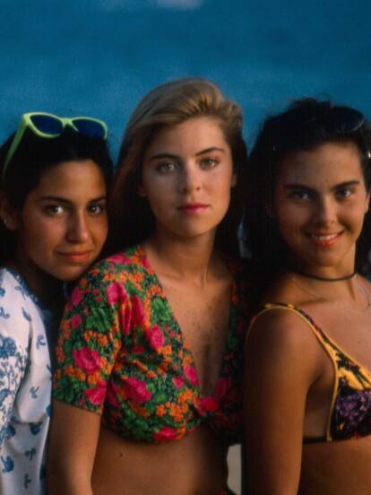La telenovela 'Muchachitas' se estrenó en 1991 y fue producida por Emilio Larrosa, narrando la historia de un grupo de chicas en una academia de arte que persiguen su sueño de ser grandes estrellas.