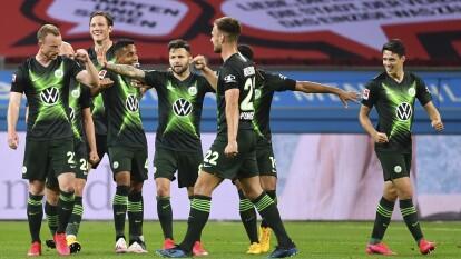 Wolfsburgo goleo 1-4 a domicilio al Leverkusen y en el Frankfurt vs Freiburg, se tienen que conformar con un punto luego del entretenido 3-3 que nos regalaron.