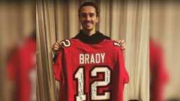 Antoine Griezmann recibió el jersey de Tom Brady autografiado