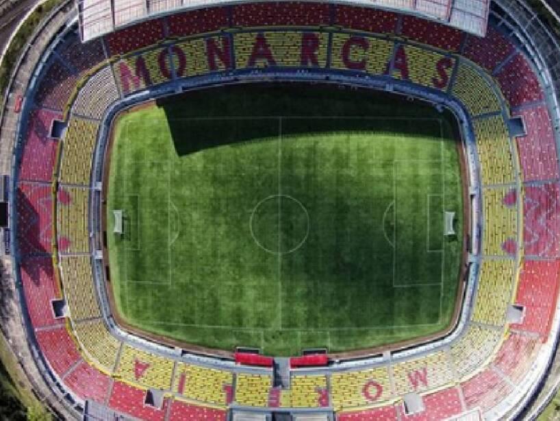 Estadio Morelos 2.jpg