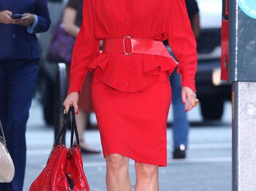 12 Looks icónicos de Samantha Jones en 'Sex and the City'