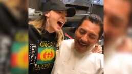 Belinda sorprende con 'Cielito Lindo' a cocineros mexicanos en restaurante de Los Ángeles