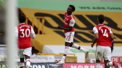 Arsenal visitó y derrotó a Wolverhampton en la J33 de la PL   El cuadro de Raúl Jiménez no pudo marcar y peligra su lugar en la Champions League.