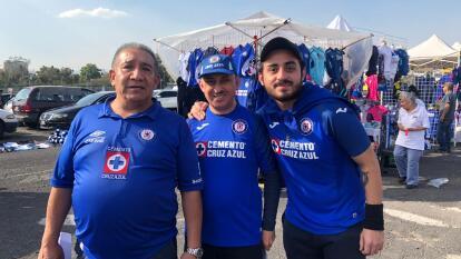 El estadio Azteca comienza a pintarse de azul para el juego entre la máquina y los tuzos.