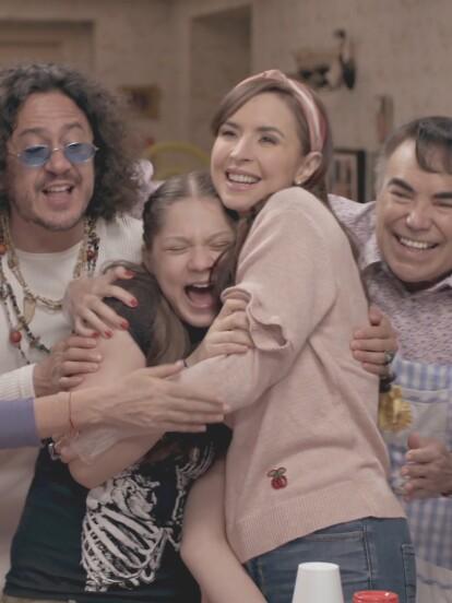 En el capítulo 8 de la segunda temporada de 'Una familia de diez', llamado 'El portafolios', los López festejaron el cumpleaños de Justito y Victoria.