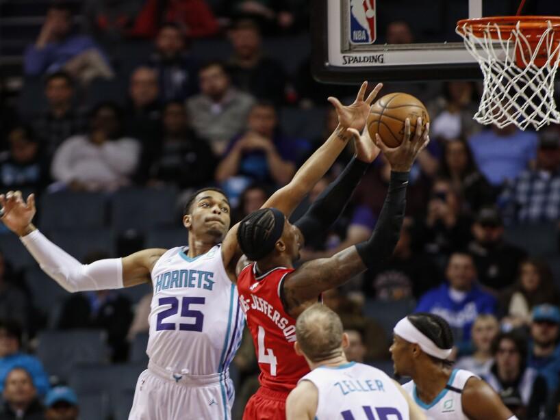 Charlotte Hornets 110-112 Toronto Raptors