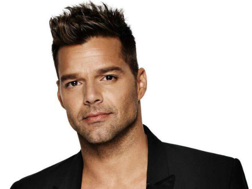 6. Enrique Martín Morales: ¿Hubiera podido conquistar chicas y chicos con ese nombre? ¡Obvio no Ricky Martin!