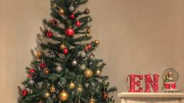 Árbol de Navidad: De qué color y en qué posición ponerlo para atraer riqueza