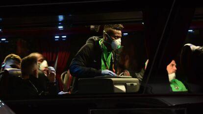 Tras la amenaza latente del coronavirus en Italia, jugadores del Ludogorets llegaron con mascarillas al partido contra el Inter a puerta cerrada.
