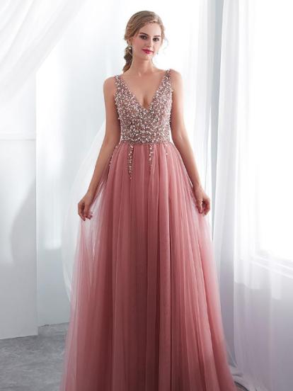 gran descuento 1c1c6 221d6 Ideas para vestidos de graduación que son tendencia en 2019 ...