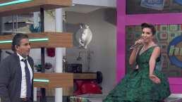 Andrea Escalona protagoniza penoso incidente al subirse al piano en Hoy