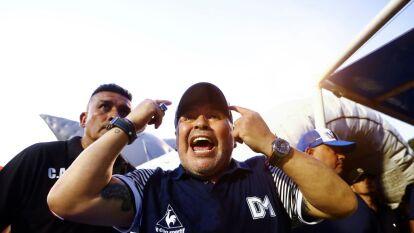 Durante la semana, la dirigencia del futbol argentino votará para implementar una modificación reglamentaria de la Superliga, la cual tendría dos descensos directos y no tres, ilusionando a al equipo de Diego Armando Maradona.