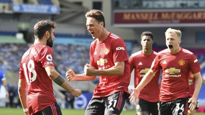 Maupay (40') abrió el marcador para los locales cobrando un penal y con autogol de Dunk (43') se empató el partido; Rashford (55') adelantó al Manchester, March (90+5') empató y Fernandes (90+10') consiguió la victoria por medio de la pena máxima.