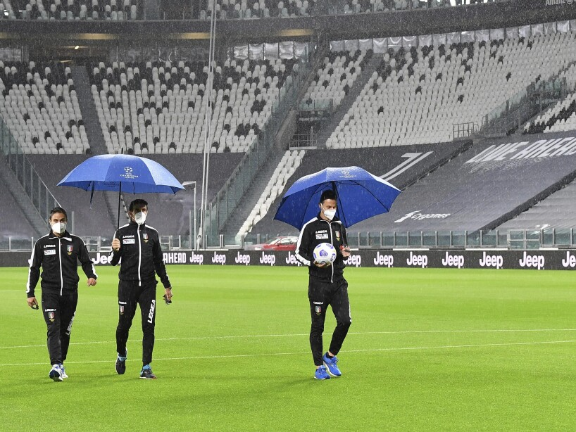 Italy Soccer Juventus Napoli Virus