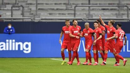 Con goles de Eduard Löwen, Sarenren-Bazee y Sergio Córdova el Augsburg se lleva la victoria de visita 0-3 en casa del Schalke 04 que sigue sin ganar en la vuelta de la Bundesliga.