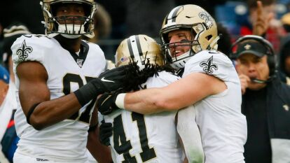 Los Saints se llevan la victoria en Nashville ante los Titans después de iniciar 14-0 abajo. Excelente partido de Brees y ahora los Titans siguen con la esperanza viva de pasar a playoffs gracias a la derrota de Pittsburgh Steelers.