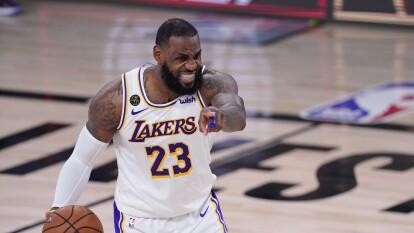 Los LA Lakers avanzan a la Final de Conferencia después de 10 años   James Haerden y los Houston Rockets cayeron 119-96 en el quinto juego de la serie para terminarla 4-1.