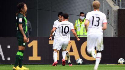 En un entretenido partido, el Eintracht Frankfurt logra superar al Wolfsburg en su casa con un gol de Daichi Kamada al minuto 84.