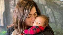 Mariana Echeverría 'pinta' de azul el cabello de su hijo y afirma que se ve muy guapo
