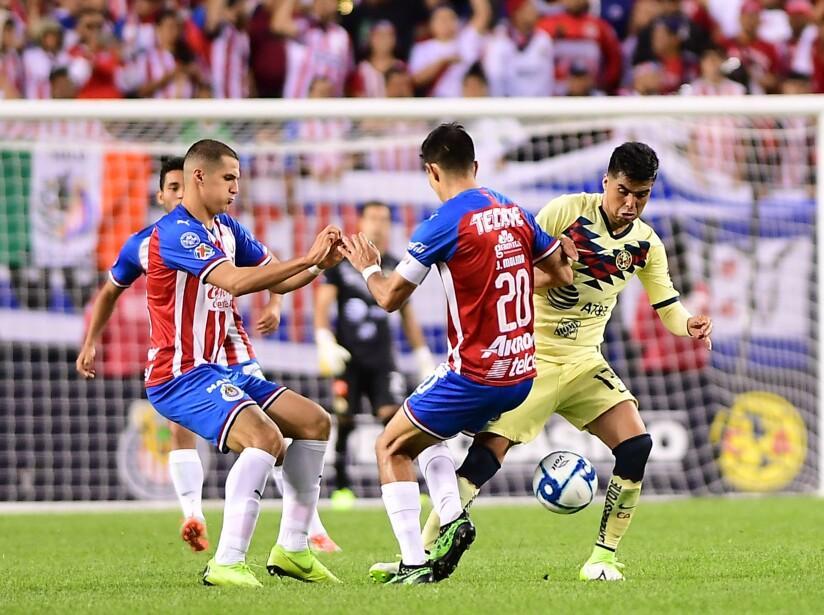 Empate sin goles entre Chivas y América en Estados Unidos.