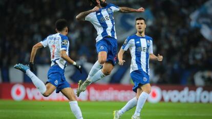 Con goles de Alex Telles, Sérgio Oliveira y autogol de Rúben Dias, Porto gana y se pone a cuatro puntos del Benfica.