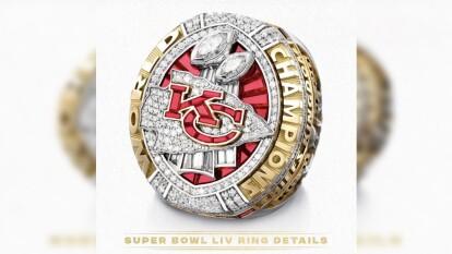 El anillo del Superbowl LIV es una verdadera obra arte y está repleta de diamantes.