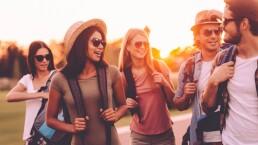 Cinco beneficios de viajar con los amigos