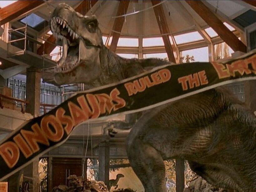 1. Los derechos de la novela sobre dinosaurios, escrita por Michael Crichton, se vendieron en 2 millones de dólares.