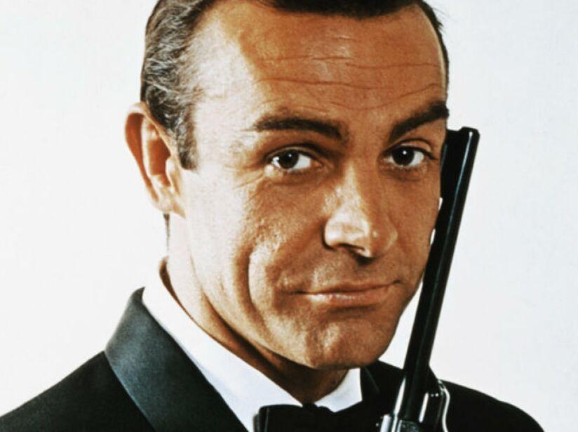 2. Sean Connery (1962,1983): El primero y posiblemente el mejor James Bond que ha habido.