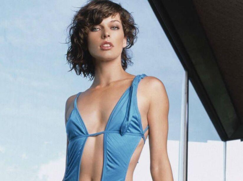 Gracias a sus películas de ciencia ficción y acción, el canal de videos VH1 le apodó la reina patea traseros.