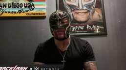 Rey Mysterio amenaza a Seth Rollins tras lesionarlo